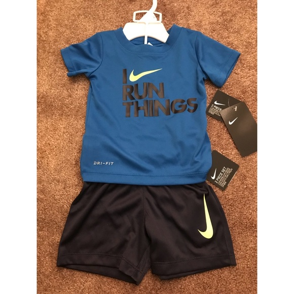 New Nike kids 2pc Dri-Fit for boys! Size 12 Months